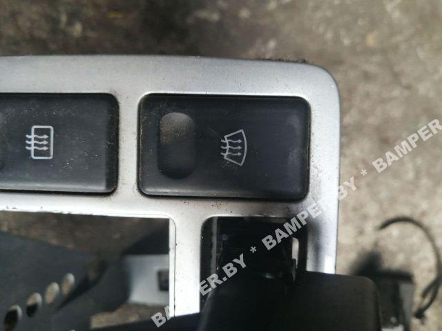 Кнопка обогрева лобового стекла