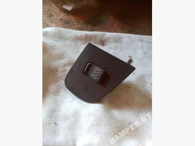Кнопка стеклоподъемника переднего правого